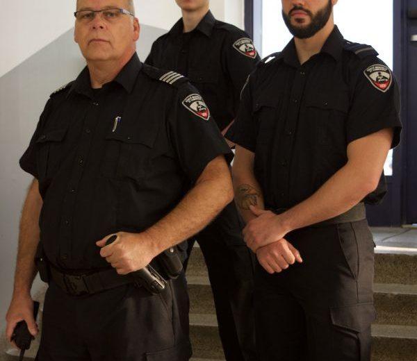 Étudiants du programme Techniques d'enquête et d'investigation en uniforme