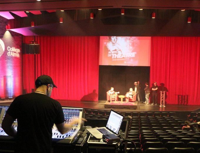 Sonorisation lors d'un spectacle à La Tourelle