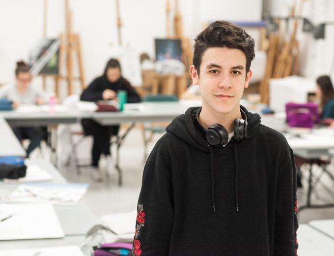 Étudiant en Arts visuels et numériques