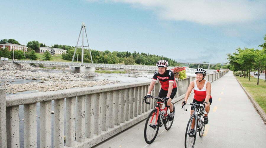 Piste cyclable longeant la Petite-Décharge - centre-ville d'Alma