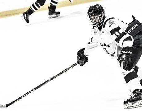 Joueur de hockey des Jeannois en action