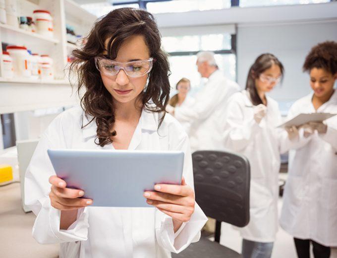 Étudiantes en Techniques de pharmacie